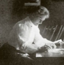 photograph of Dr Mary Murdoch at work