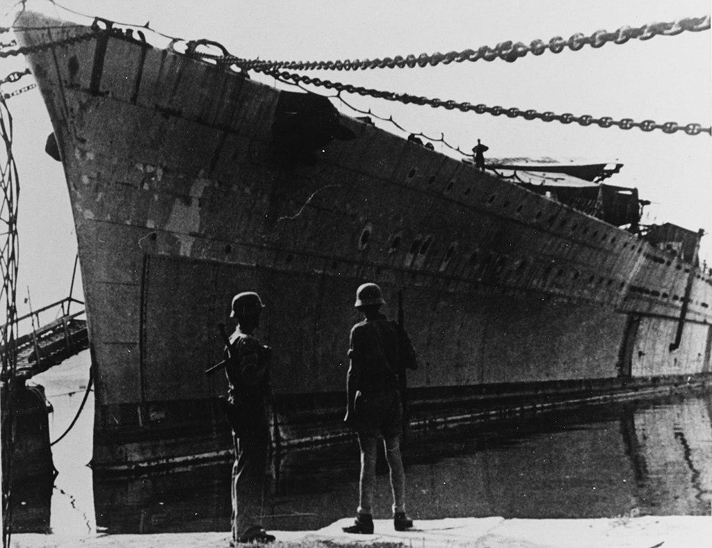 1024px-Italian_battleship_Impero.jpg