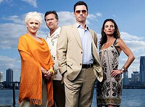 Burn Notice - The 2009 cast of Burn Notice (l-r): Sharon Gless, Bruce Campbell, Jeffrey Donovan, and Gabrielle Anwar