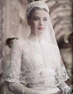 e21a3c01f Wedding dress of Grace Kelly - Wikipedia