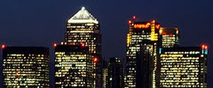 One Canada Square - Canary Wharf: Aircraft warning lights