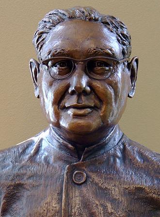 Haridas Chaudhuri - Bust of Chaudhuri by Jan-Michelle Sawyer