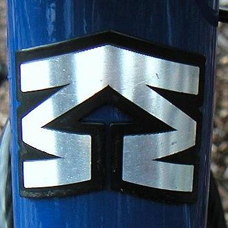 Mongoose (company) - Image: Mongoose head badge