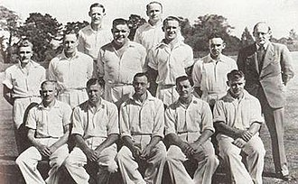 Tom Burtt - The New Zealand Test team, Christchurch, March 1947. Tom Burtt is on the right at the top.