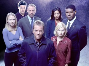 24 (season 2) - Season 2 main cast: (from left to right, back row) Sarah Wynter, Carlos Bernard, Xander Berkeley, Penny Johnson Jerald, and Dennis Haysbert; (from left to right, front row) Kiefer Sutherland and Elisha Cuthbert
