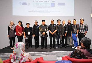 Ada Apa Dengan Rina -  Ada Apa Dengan Rina team with the Minister of Communication of Brunei (fifth from left) during the film launch on February 17, 2013 at the Times Cineplex, Brunei.