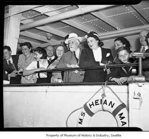 Heian Maru (1930) - Jewish refugees await disembark- ation from the Heian Maru in Seattle, July, 1941. (Courtesy of MOHAI, Seattle Post-Intelligencer collection.)