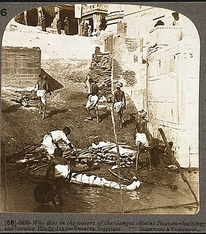 Preparations for cremations on the banks of th...
