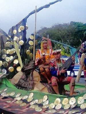 Aliwan Fiesta - A parade float representing Kadayawan Festival of Davao City in Aliwan Fiesta 2008