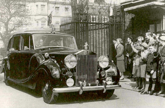 Rolls-Royce Phantom IV - The first Rolls-Royce Phantom IV in 1952, carrying Queen Elizabeth II and the Duke of Edinburgh