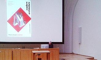 Kenneth Frampton - Kenneth Frampton lecturing at Aalto University, Helsinki, 2015