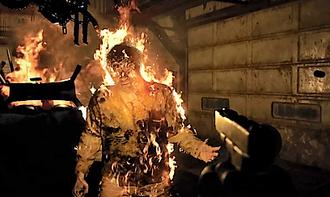 Resident Evil 7: Biohazard - Ethan fights off Jack Baker with a handgun.