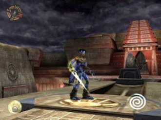 Soul Reaver 2 - Raziel with the wraith-blade in the Air Forge area. The icon in the lower left signifies that the light-elemental version of the Reaver is equipped, whereas the coil in the lower right indicates the player's health.