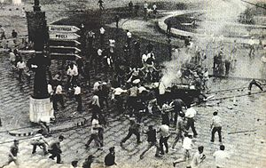 Fernando Tambroni - The street fights in 1960 at Genoa