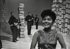 """Esma Redžepova - Esma Redžepova and the Ensemble Teodosievski performing """"Romano Horo"""" for the Austrian television in 1965"""
