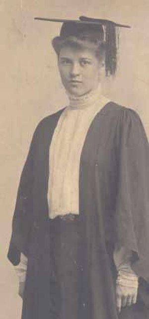 Margaret Ayer Barnes - Barnes on her graduation day in 1907