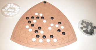 Y (game) - A commercially-sold Y board