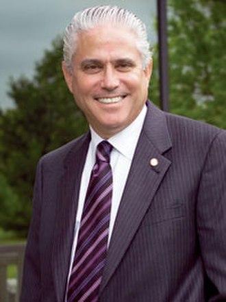 Walter Harrison (university administrator) - Image: Waltbio