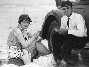 V. T. Hamlin - Dorothy and V. T. Hamlin have lunch on a Texas beach in 1928. Note resemblance of Dorothy to Alley Oops Ooola.