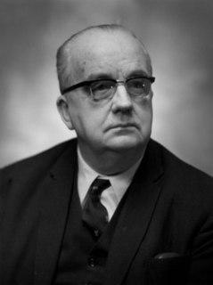 Leonard Owen Owen, Sir (William) Leonard (1897–1971), atomic engineer