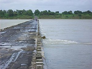 Haripura - Tapti river at Haripura in Surat district, in 2006.