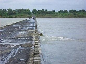 Haripura - Tapti river at Haripura in Surat district, in 2006.