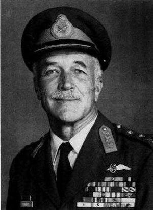 Bob Rogers (SAAF officer) - Image: Lt.. General Bob Rogers