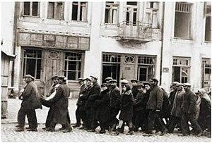 Kamianets-Podilskyi augustus 1941 roundup.jpg