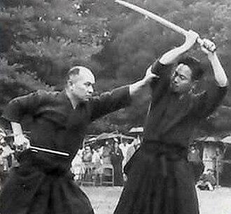 Ikkaku-ryū juttejutsu - Kuroda Ichitaro (left) and Kaminoda Tsunemori (right) performing Ikkaku-ryu Juttejutsu