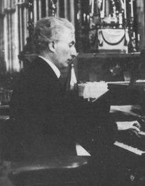 Édouard Commette - Édouard Commette at the organ of Lyon Cathedral