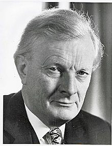 JohnDavies OfficialConservativePartyPhoto-Jan1973-byDerryMoore.jpg