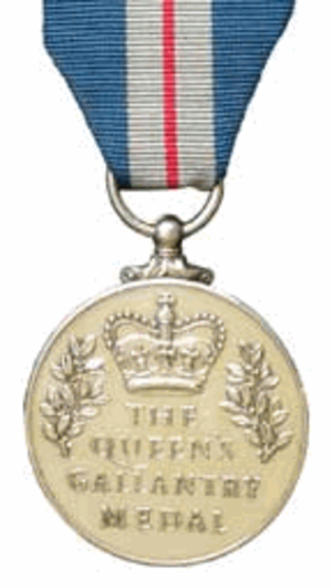 Queen's Gallantry Medal - Image: Queen's Gallantry Medal (UK) Reverse