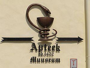 Raeapteek - Sign of the Raeapteek