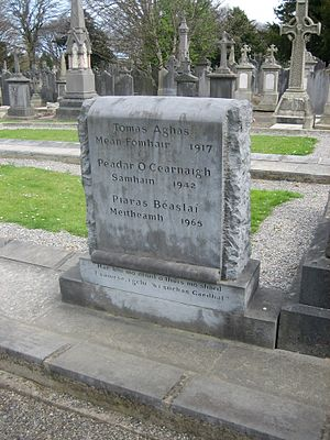 Peadar Kearney - The gravestone of Thomas Ashe, Peadar Kearney and Piaras Béaslaí at Glasnevin Cemetery.