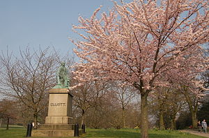 Weston Park, Sheffield - Statue of Ebenezer Elliot in Weston Park (28 March 2007)