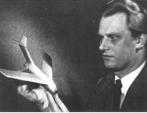 Hans Multhopp - Hans Multhopp, holding a model of the Ta 183