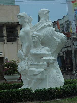 Phan Thiết - Image: Phan Thiet Statue