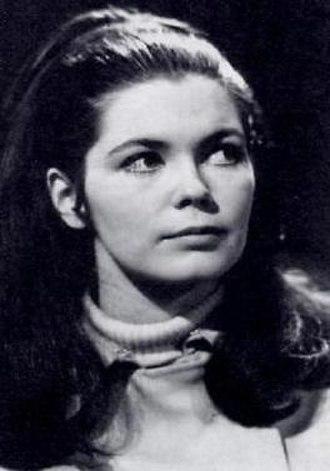 Victoria Winters - Alexandra Moltke portrays Victoria