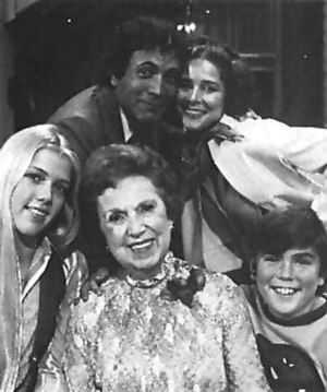 Another Day (TV series) - The cast of Another Day. Clockwise from upper left, David Groh, Joan Hackett, Al Eisenmann, Hope Summers, and Lisa Lindgren.