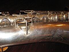 Buescher Band Instrument Company - Wikiwand