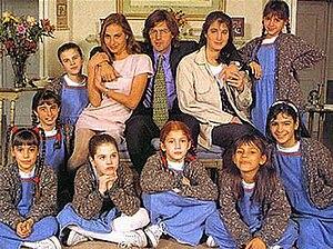 Chiquititas - Season One cast, in 1995: Natalia Lobo, Gabriel Corrado, Romina Yan and the chiquititas.