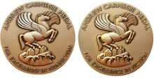 Logo delle medaglie Andrew Carnegie for Excellence in Fiction & Nonfiction.png