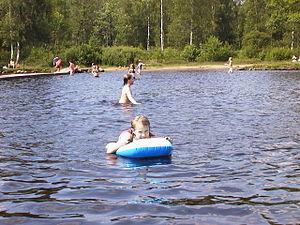 Sjömarken - Image: Children Swimming Lake Viared