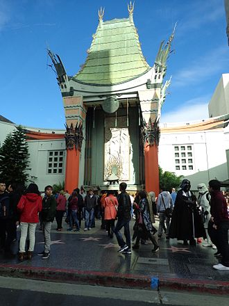 Grauman's Chinese Theatre - The theatre as seen from the street on an ordinary day