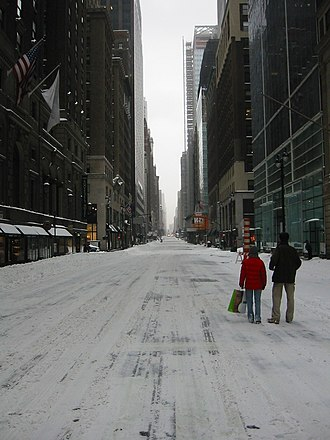 North American blizzard of 2003 - Image: Nyc snow 2003 2