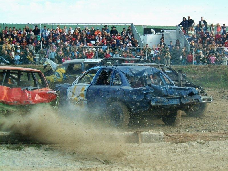 Woodbridge demolition derby 2005