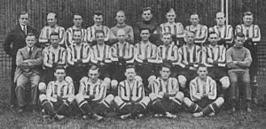 1927–28 Brentford F.C. season - Image: Brentford FC, 1927 28 team photograph