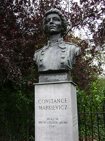 The bust of Constance Markievicz in St Stephen's Green in Dublin. Constance Markiewicz in st stephens green.JPG