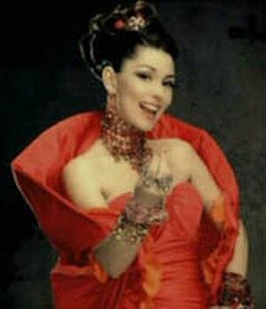 "Ka-Ching! - Shania in the music video to ""Ka-Ching!"""