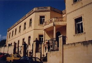 St Aloysius' College (Malta) - Wikipedia, the free encyclopedia